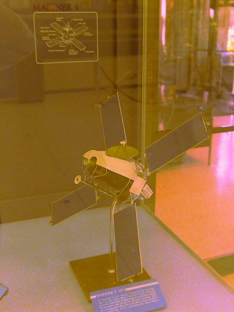 Mariner 9 (1971) model