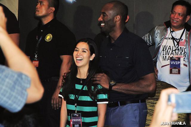 Kobe Bryant with Rappler's Multimedia reporter, Natashya Gutierrez after the Walang Iwanan Manila 2013 press conference.