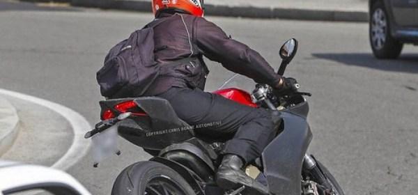 Ducati 1199 Panigale 2014 foto espía 03