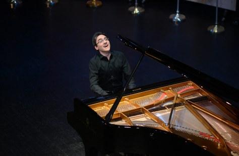 Alexander Gradjiev