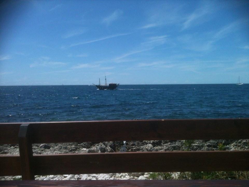 Ein Blick aufs offene Meer ..