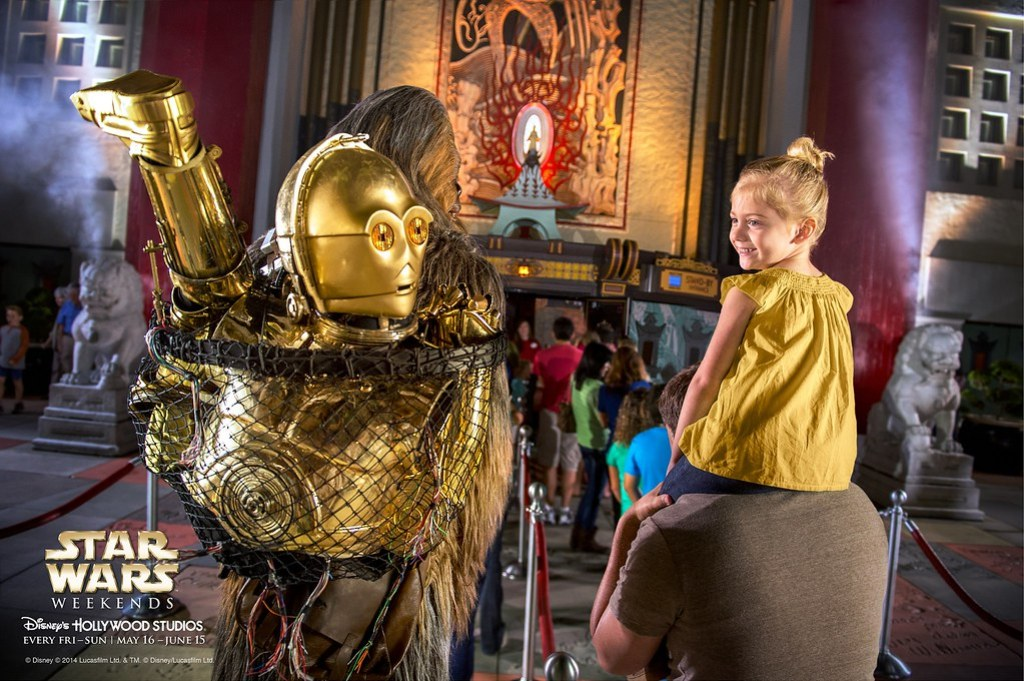 WaltDisney - Star Wars C3PO Chewi