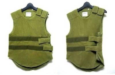 イタリア製 ヘルムートラング ミリタリーメッシュベスト  vest with velcro-straps • helmut lang 4,800 円