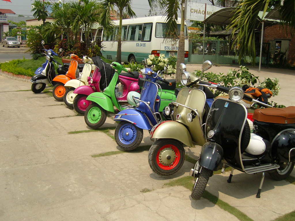 Vespa Roller Oldtimer The World S Best Photos By Vespa Travel Flickr Hive Mind