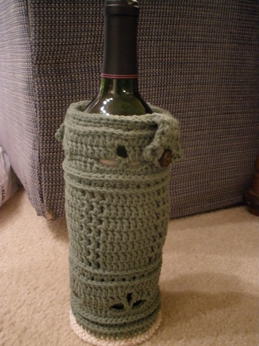 FO: Wine cozy