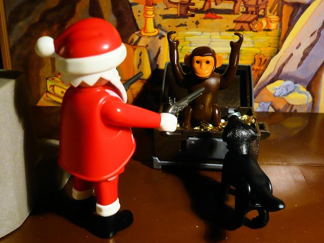 Santa Vs. The Wealthy Monkey // Père Noël contre le Singe Fortuné
