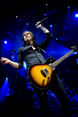 alter-bridge-037