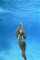Jessica Alba in Into the Blue