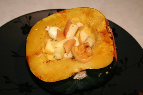roasted acorn squash stuffed with turkey, sage and apples