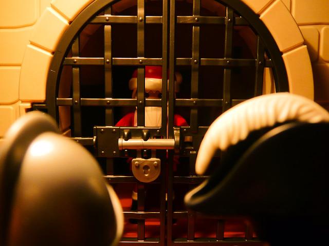 Santa in jail // Père Noël en prison