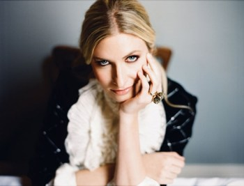Holly Williams eyes