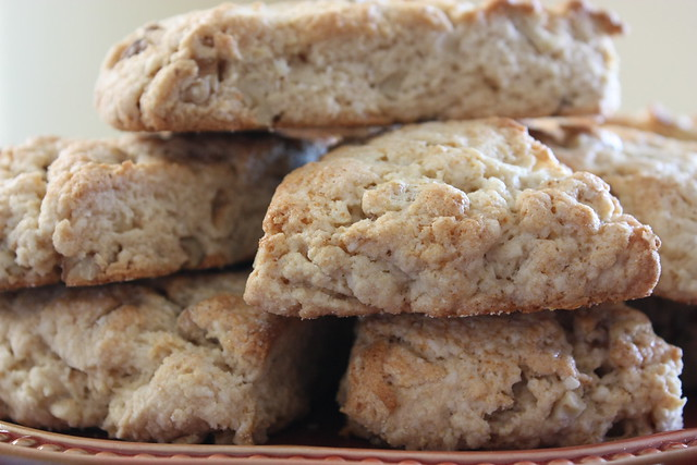 Vanilla Walnut Scones