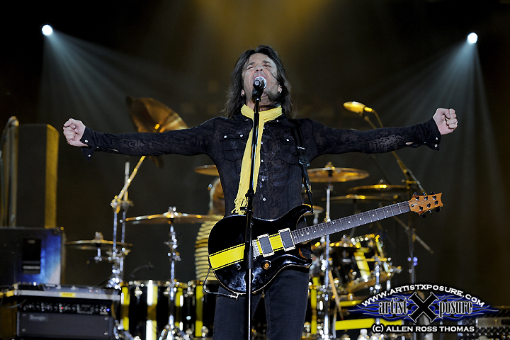 Stryper's Michael Sweet performs live at Rocklahoma 2009