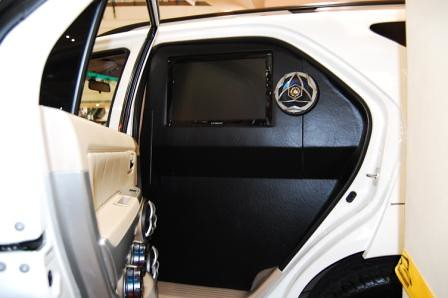 Toyota Fortuner by Kid Audio Rear Door