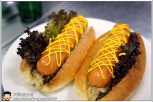 [西餐]漢堡類 德式酸菜熱狗堡