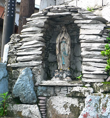 street side grotto