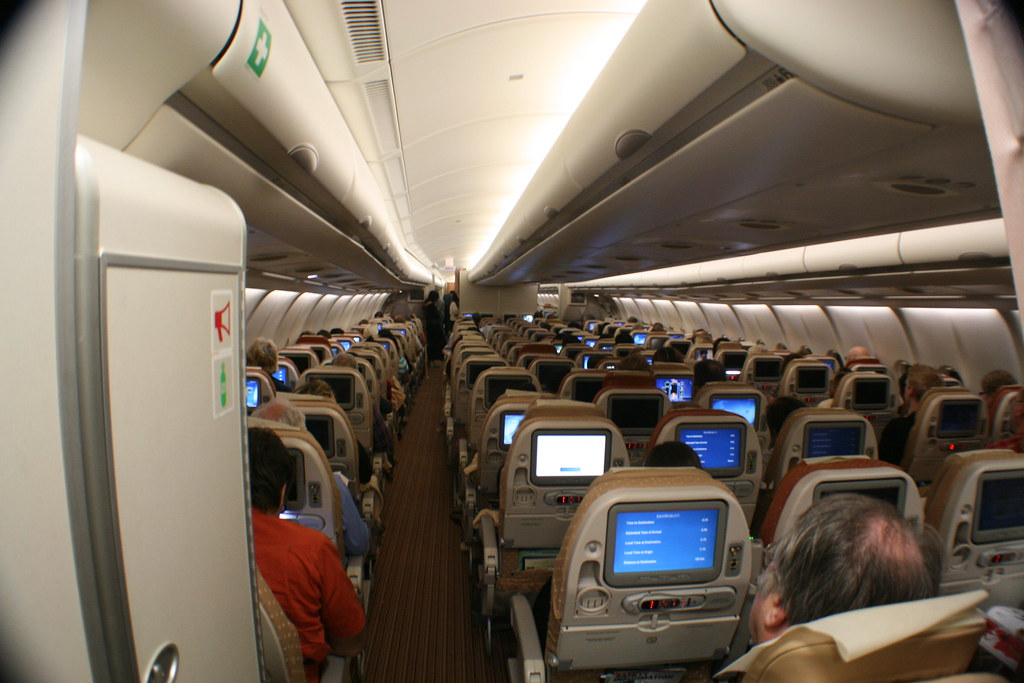 business flight SQ A330-300 economy class cabin photos