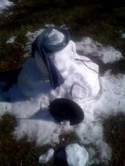 Dang! Our snowman is decapitated!