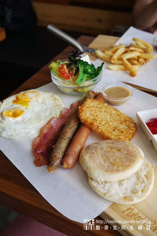 8923895052 df4e87e30a b 台中早午餐:熊抱尼克尼克咖啡五號店 餐點還可以裝潢吸睛