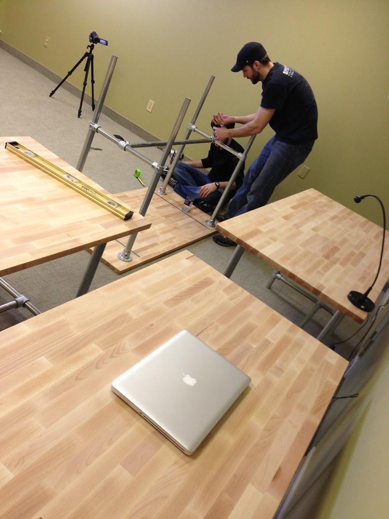 Displaying 19 gt images for diy adjustable standing desk ikea