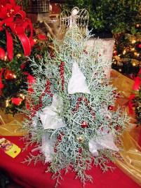 Evergreen Tree - Lisa Greene, AAF, AIFD, PFCI