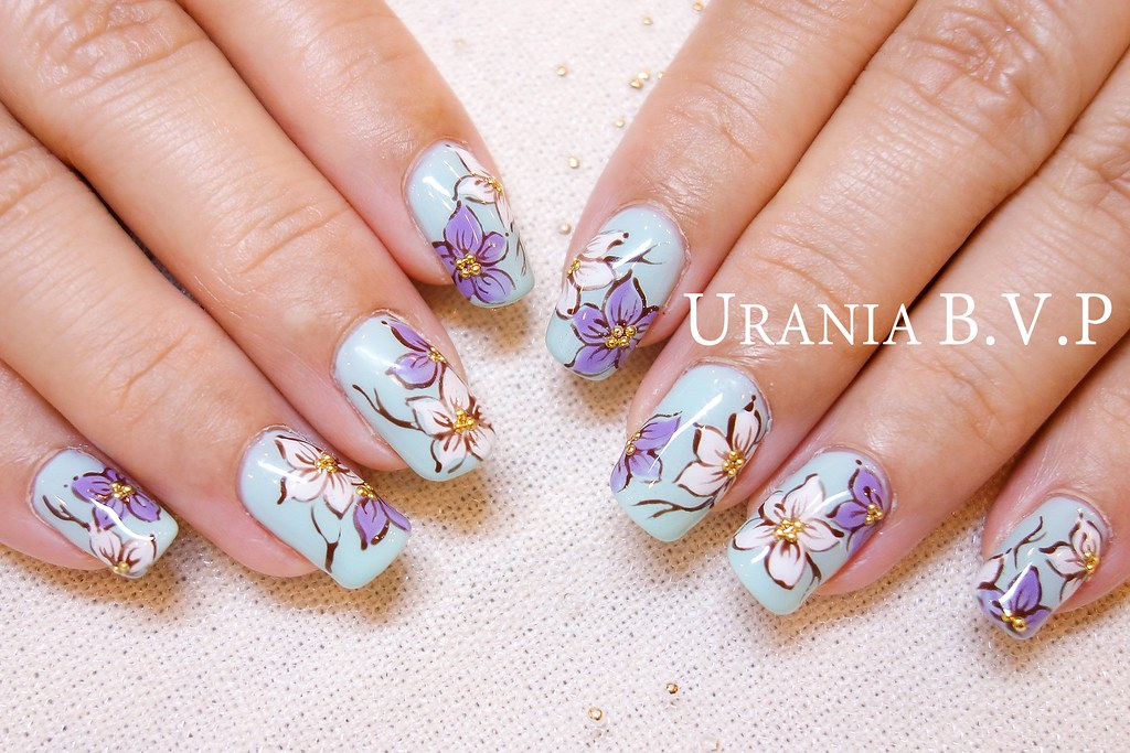 凝胶指甲作品 花朵的力量!春夏必备光疗款式