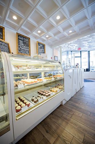 Cute Cupcake Wallpaper Bake Shop Goodies Oakleaf Cakes Bake Shop