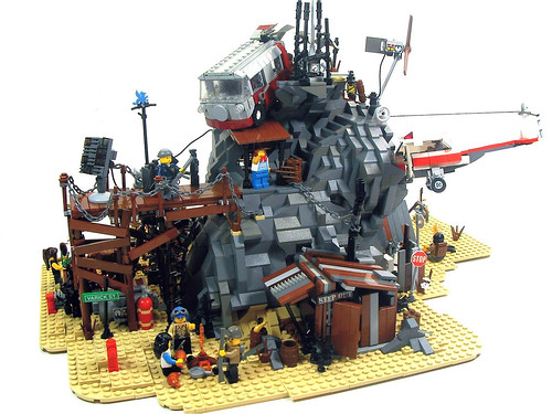 LEGO Desert Haven post-apoc diorama by Kevin Fedde