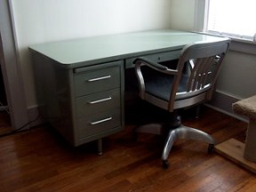 Steelcase Tanker Desk & Goodform Chair