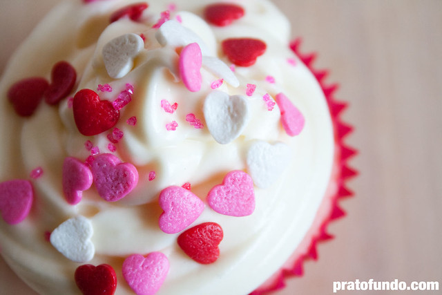 Outubro Rosa: Cupcake de Baunilha Trufado