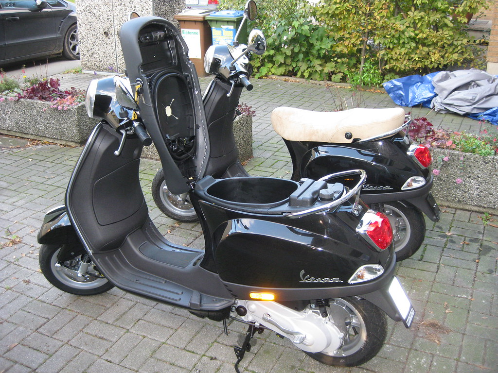 Vespa Lx 50 Vespa Lx 50 Moving The Black Seat To The New Ride Achim Hepp