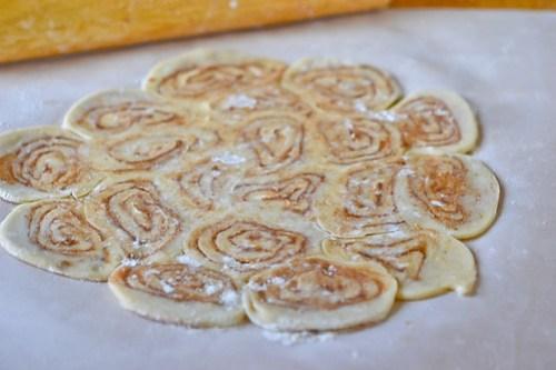 Cinnamon Bun Apple Pie-8