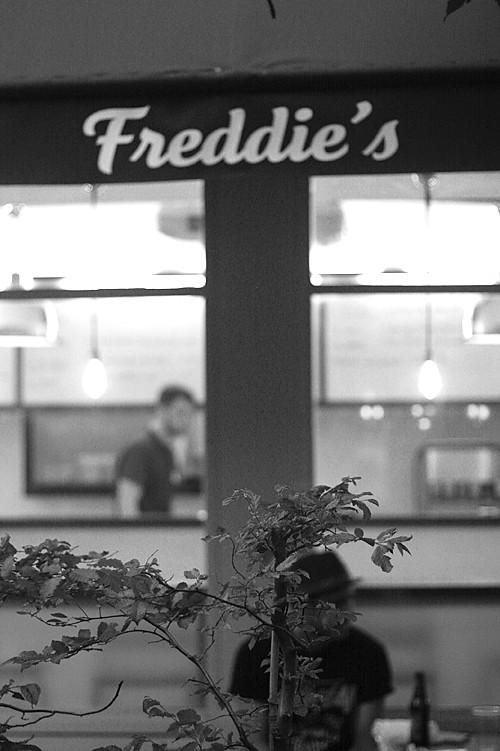 Freddie's Deli Paris