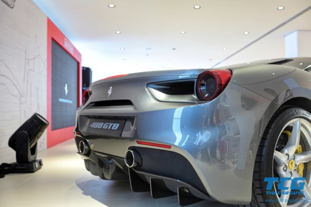 2015 Ferrari 488 GTB (19)