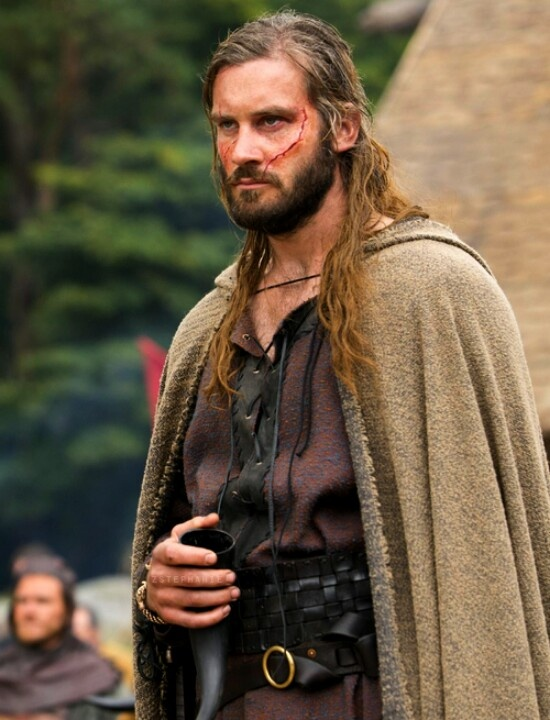 Clive Standen Takes On Viking S Bad Boy Rollo Maison - Bad Rollo
