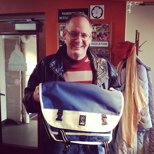We <3 our volunteers! John (@rootchopper) sold the most memberships during October's membership drive, and @citybikesdc hooked him up with an awesome prize. Thanks!