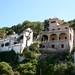 Habitations dans les hauteurs du port de Cala Figuera