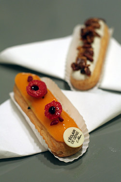 eclair passion fruit - raspberry