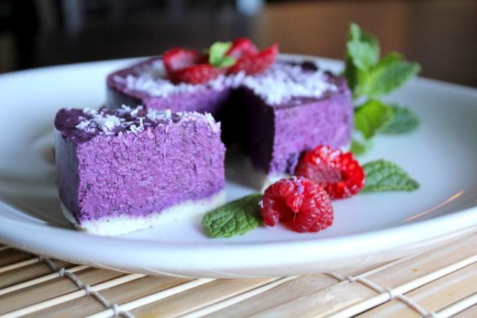 raw blueberry cake