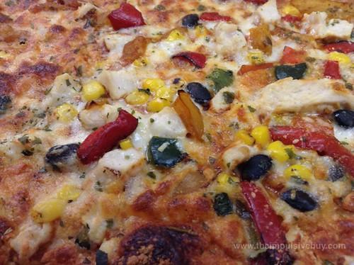 California PIzza Kitchen Limited Edition Spicy Chipotle Chicken Crispy Thin Crust Pizza Closeup