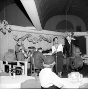 Eleanor singing in a club in Vancouver, ca. 1940s. (Jack Lindsay, COV Archives)