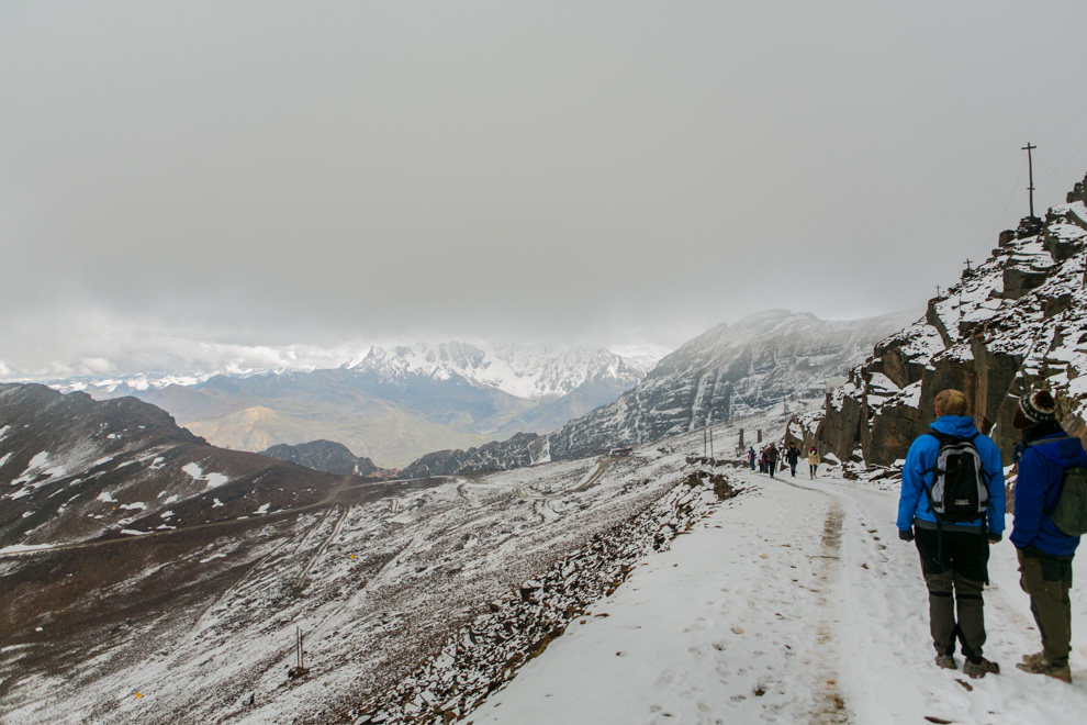 La montaña Chacaltaya fue antiguamente la estación de esquí más alta del mundo con más de 5300 msnm. Era un gran destino turístico para los amantes del esquí, también fue un glaciar con nieves eternas. (Tetsu Espósito)
