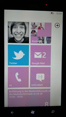 Windows Phone 7 pink Homescreen