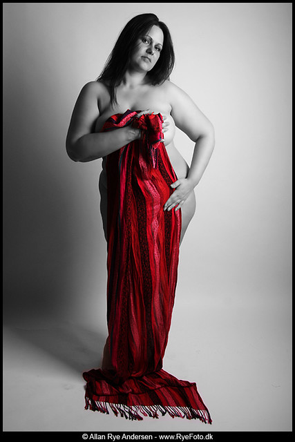 Boudoir with red scarf 01
