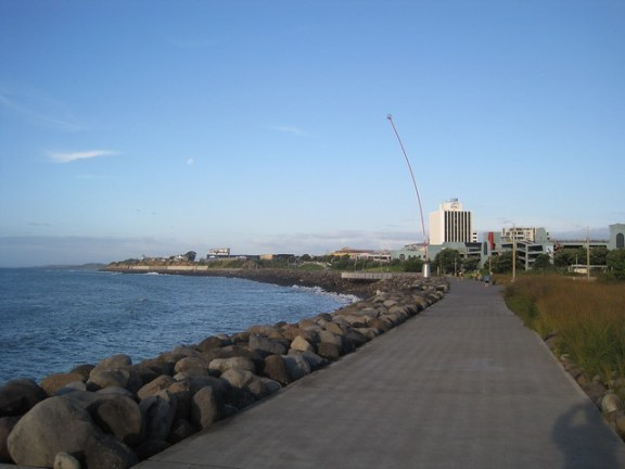 New Plymouth coastal walkway. Photo by Jacques Marier @ flickr