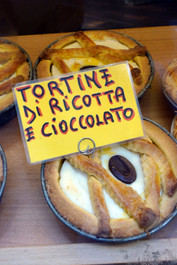 chocolate-ricotta tortine