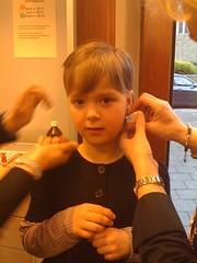 Noëlle heeft oorbellen!!!