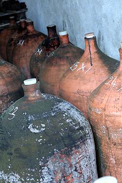 wine urns