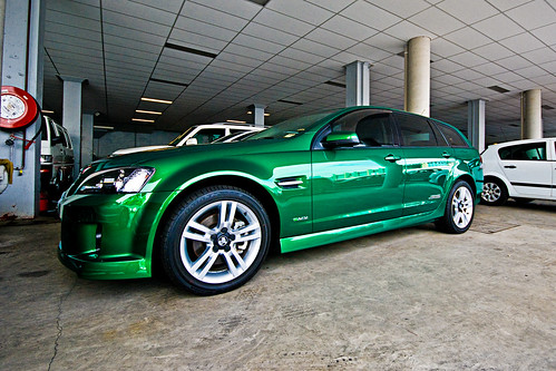 Cool Iphone Wallpapers For Guys Emerald Green Car