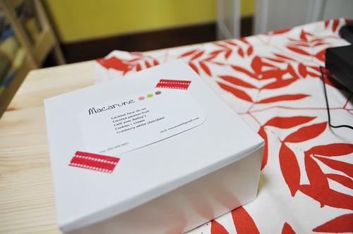 Macarune packaging